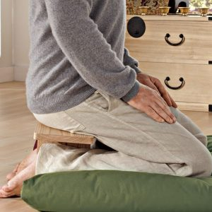 Comfortable seiza medition with a Pi Meditation Bench